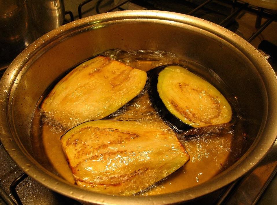 frying-aubergine-eggplant-11-1000